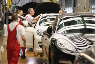 Porsche Factory Workers 1