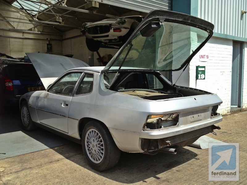 porsche 924 turbo project being painted this week ferdinand. Black Bedroom Furniture Sets. Home Design Ideas
