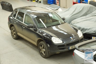 Porsche Cayenne with dirt at SVP Droitwich 1 (2)