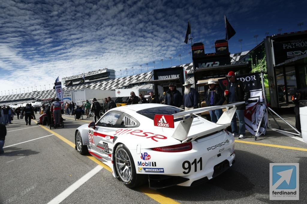 Porsche 911 Rsr Retires From The Daytona 24 Hour