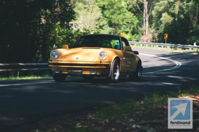 Yellow Porsche 911 Carrera 3.0 Targa 1