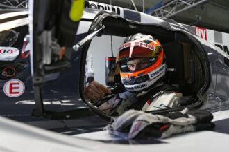 Nico Hulkenberg Porsche 919 LMP1 testing 1