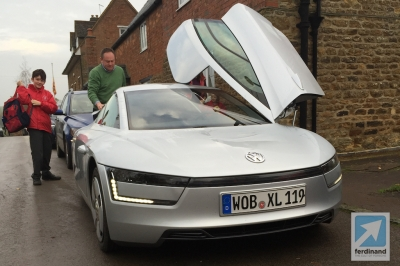 Volkswagen XL1 School Run 2