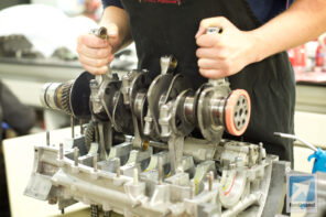 Tuthill Porsche 911 RSR crankshaft detail 2