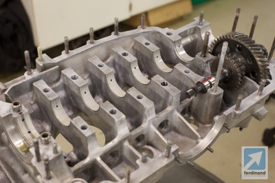 Tuthill Porsche 911 RSR sand cast engine build 4