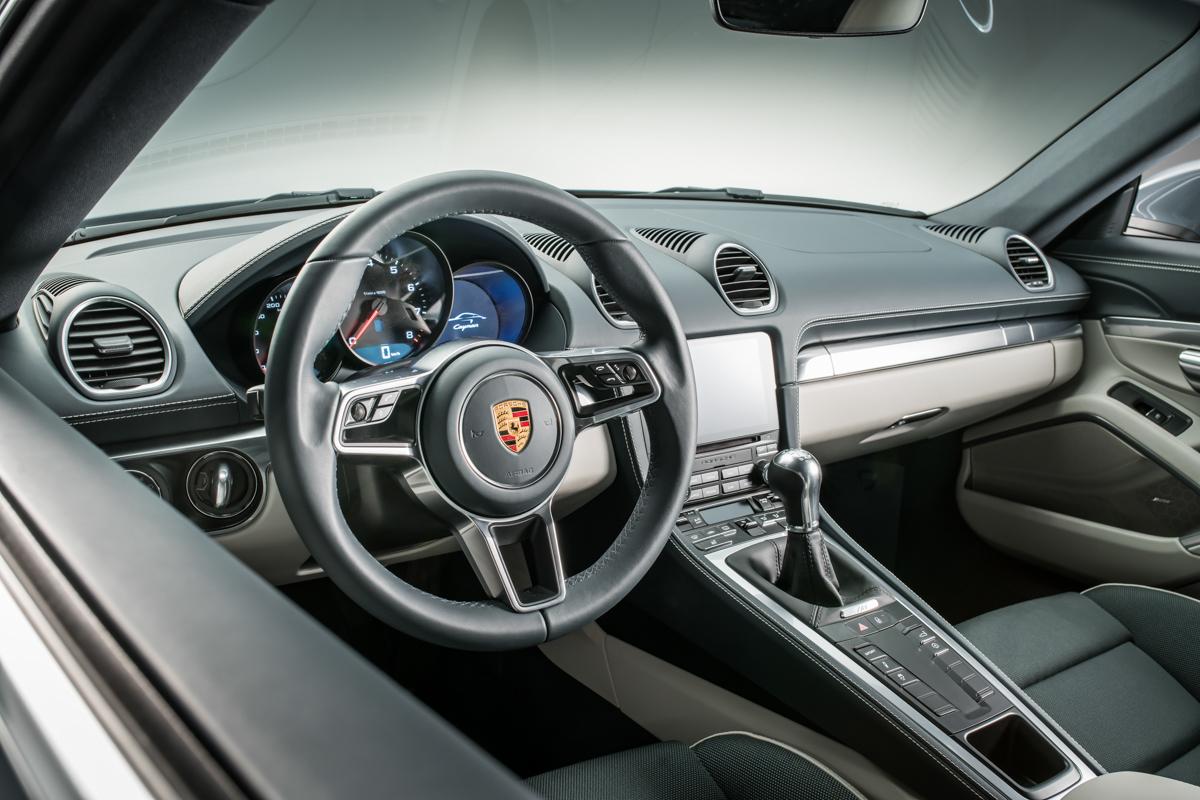 Porsche-718-Cayman-interior.jpg (1200×800)
