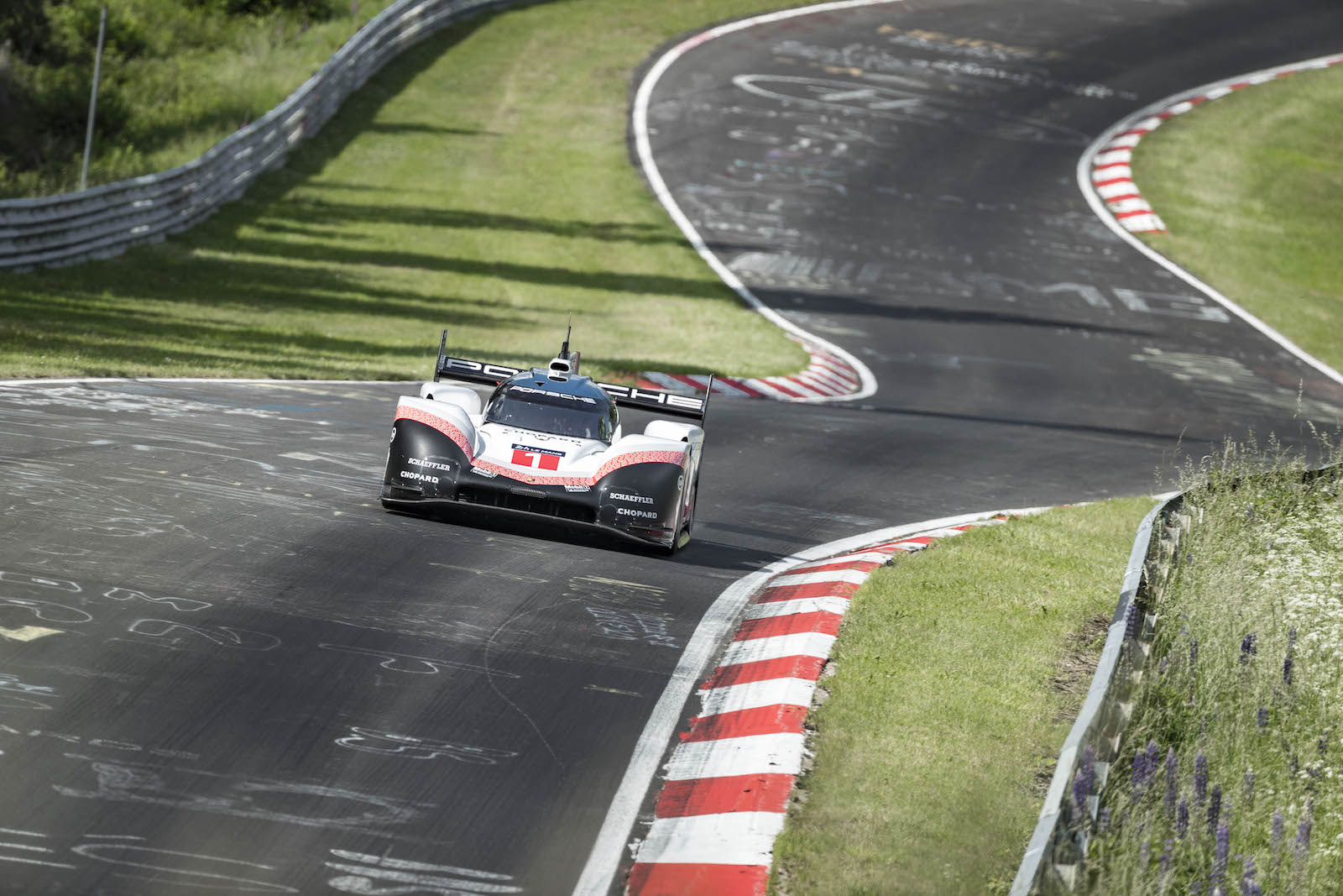 timo bernhard claims nurb rgring lap record in porsche 919 ferdinand. Black Bedroom Furniture Sets. Home Design Ideas